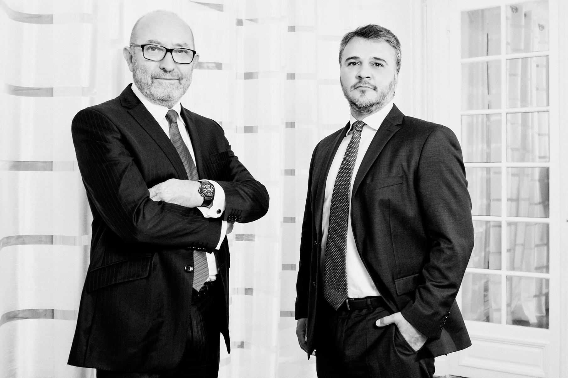 Photographie de portrait de deux associes d'un cabinet d'avocat a paris