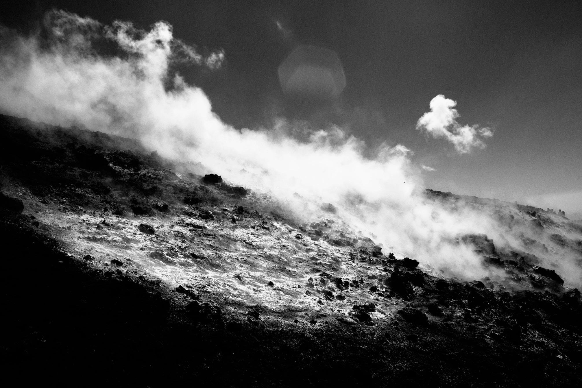 Photographie d'art de l'etna en noir et blanc