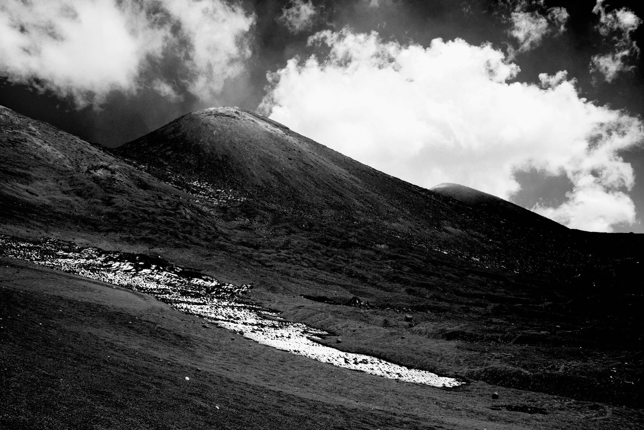 Une coulée de neige sur l'Etna
